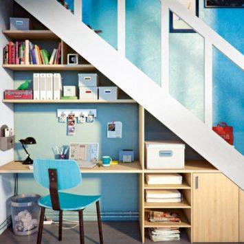 MH-déco---Bureau-rangement-sous-escalier-Leroy-Merlin